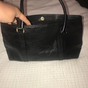 USED TWICE, Comes with dust Bag. GUCCI BAG